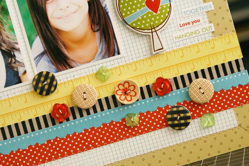 ButtonMarket_MyTwoGirls_LauraVegas_detail4