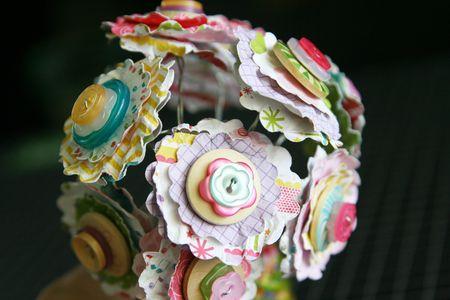 LauraVegas_ButtonFlower_Vases_BirthdayGirl_detail