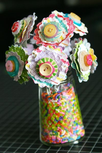 LauraVegas_ButtonFlower_Vases_BirthdayGirl