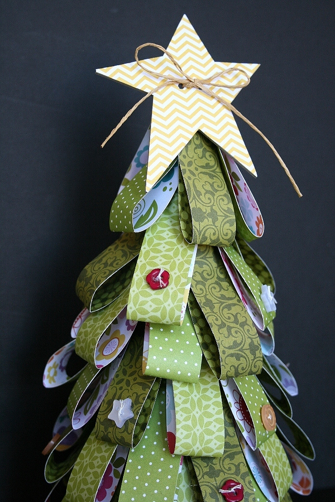 WendyAntenucci_ChristmasTree_detail1