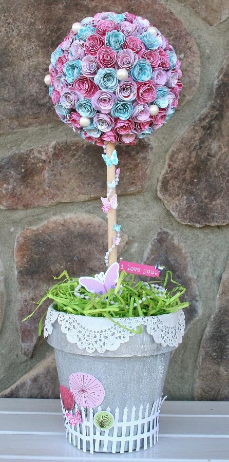 WendyAntenucci_Valentine's Decor_Topiary