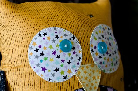 Too-Cute-To-Spook-Pillows_Tiffany-Hood_detail-4a