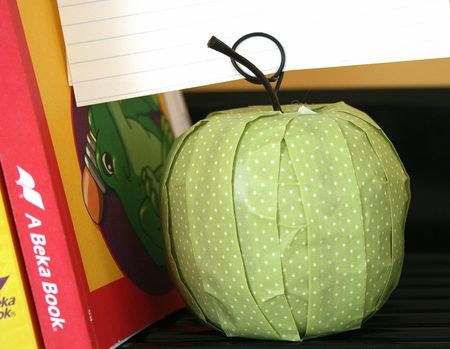 WendyAntenucci_Teacher'sApple_detail1