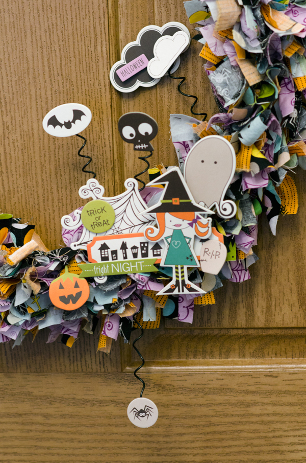Bella-Blvd_Halloween-Wreath_Tiffany-Hood_detail-2