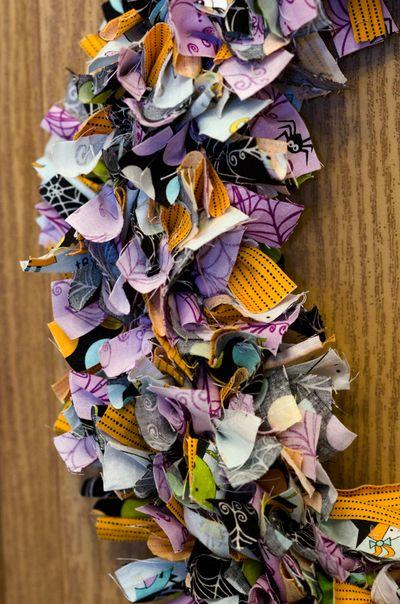 Bella-Blvd_Halloween-Wreath_Tiffany-Hood_detail-3