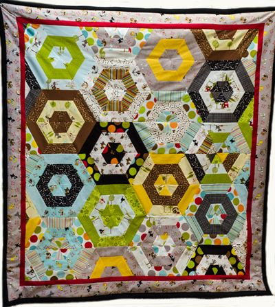 Bella-Blvd_Puppy-Quilt_Tiffany-Hood_detail-2