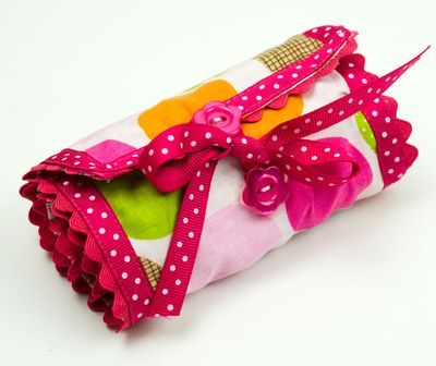 Bella-Blvd-Crayon-Roll_Tiffany-Hood_detail-2