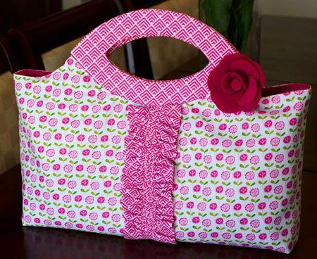 Bella-Handbag_Tiffany-Hood_detail-1