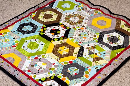Bella-Blvd_Puppy-Quilt_Tiffany-Hood_detail-1