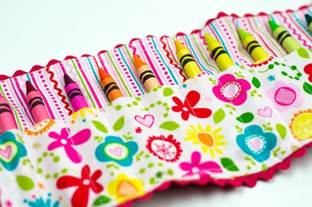 Bella-Blvd-Crayon-Roll_Tiffany-Hood_detail-3