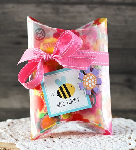LaurieSchmidlin_TreatBoxes_BeeHappy