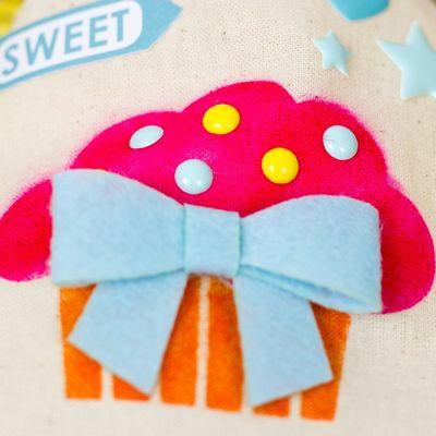 Corri_garza_sweet_canvas_bag_small_detail