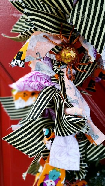 Jen Chesnick- Bella Blvd- Halloween Wreath- details2