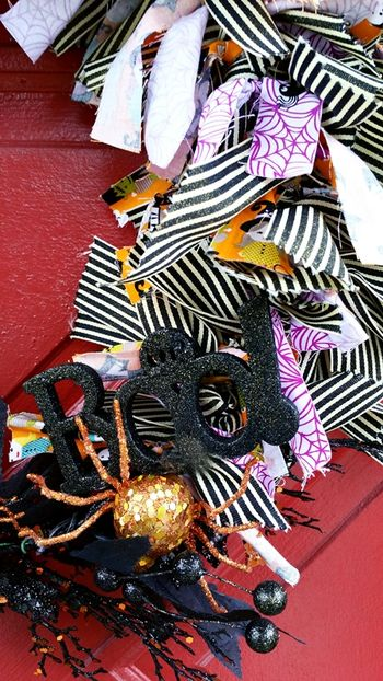 Jen Chesnick- Bella Blvd- Halloween Wreath- details3