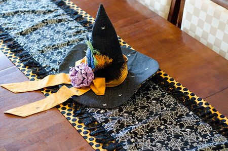 Halloween-Table-Runner.Tiffany-Hood.detail5