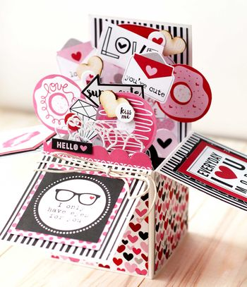 Julia Akinina- Valentina Card in a Box2