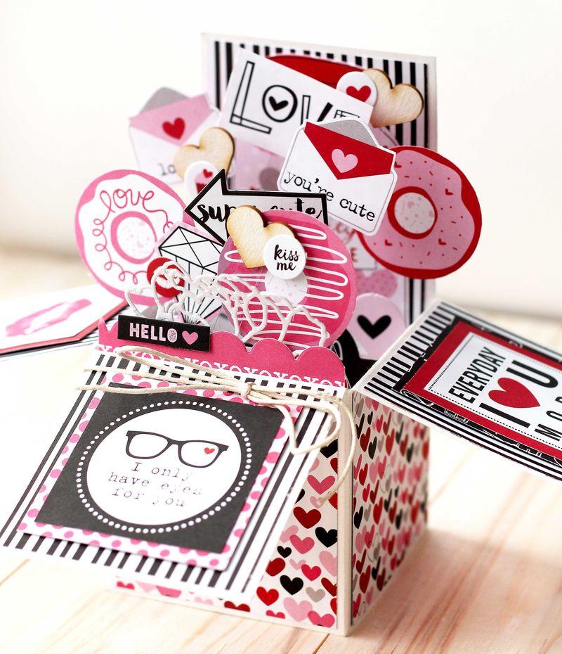 Julia Akinina- Valentina Card in a Box2